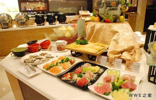 与女同学吃自助餐礼仪上要注意什么?图片